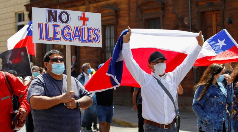 Agresiones, discurso de odio y repudio internacional: el saldo de la marcha xenófoba contra los migrantes venezolanos en Chile