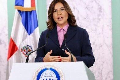 Margarita Cedeño se lanza por la presidencia