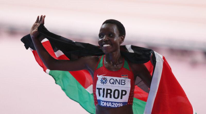 """""""Kenia perdió un diamante"""": La medallista Agnes Jebet Tirop aparece apuñalada en su casa y la Policía busca a su marido"""